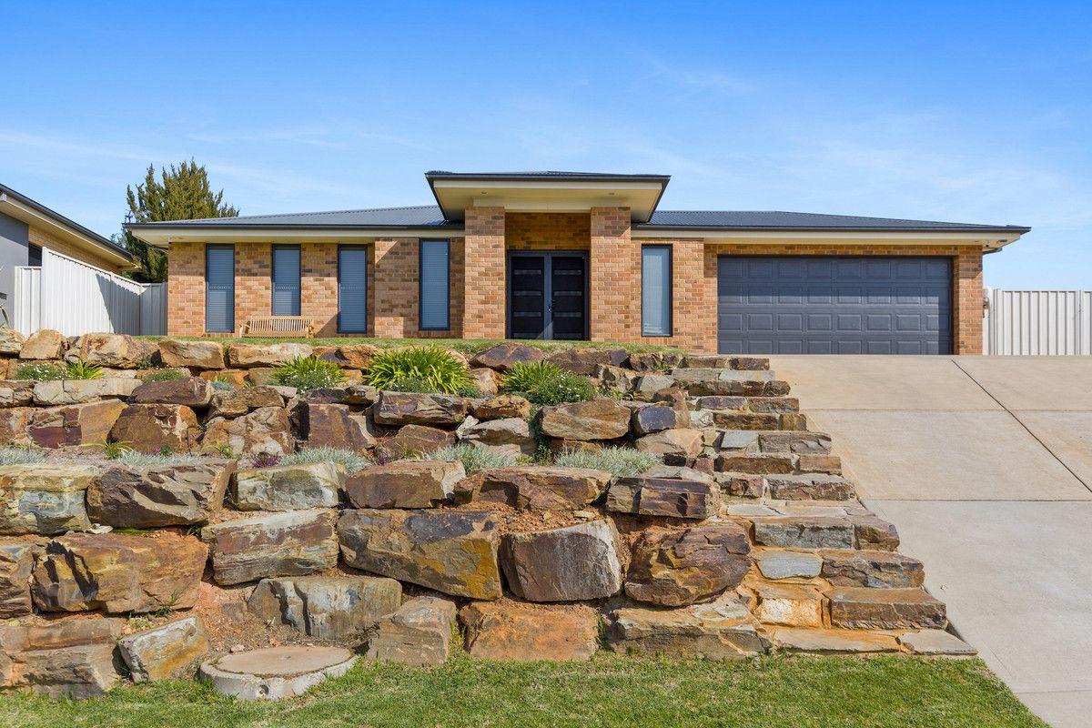 25 Balala Cresent, Bourkelands NSW 2650, Image 0