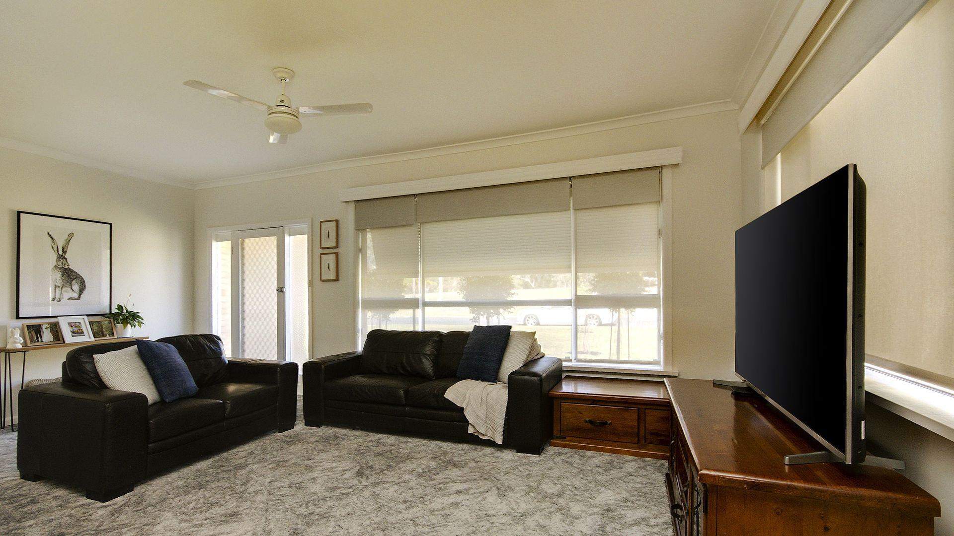 247 River St, Deniliquin NSW 2710, Image 2