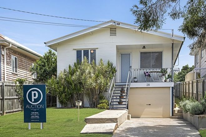 Picture of 28 Buderim Street, MANLY QLD 4179