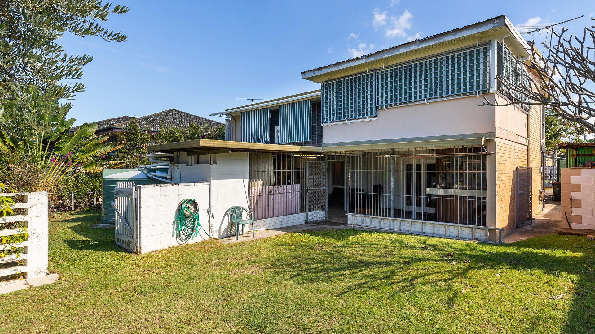 21 Kurago Street, Chermside West QLD 4032, Image 2