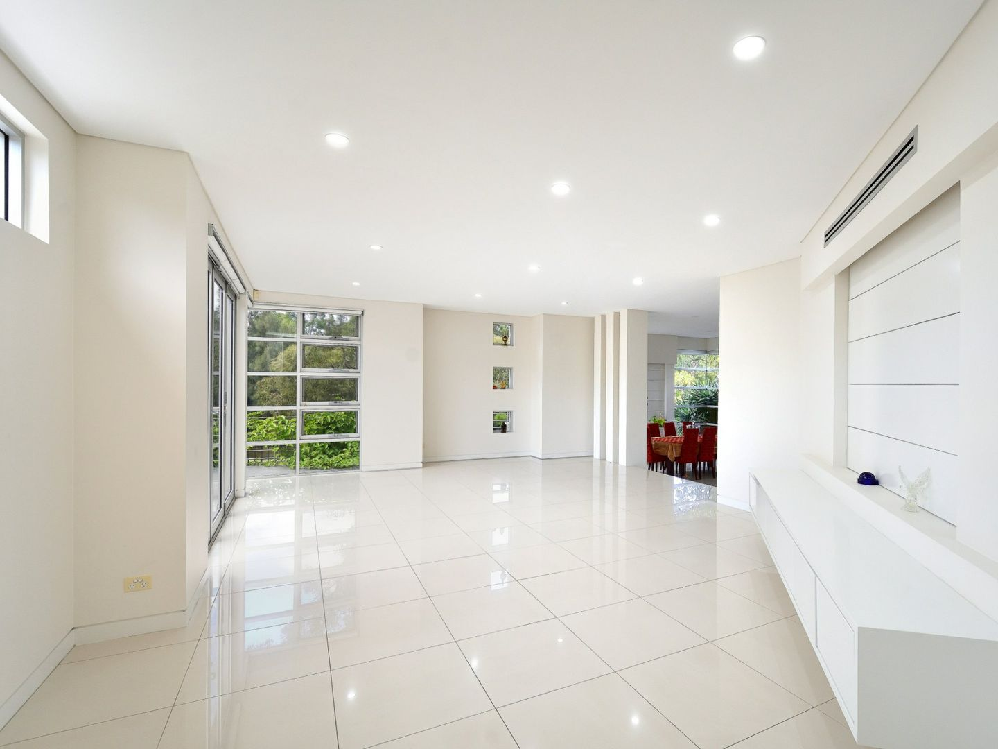 2 Ashburn Close, Bella Vista NSW 2153, Image 2
