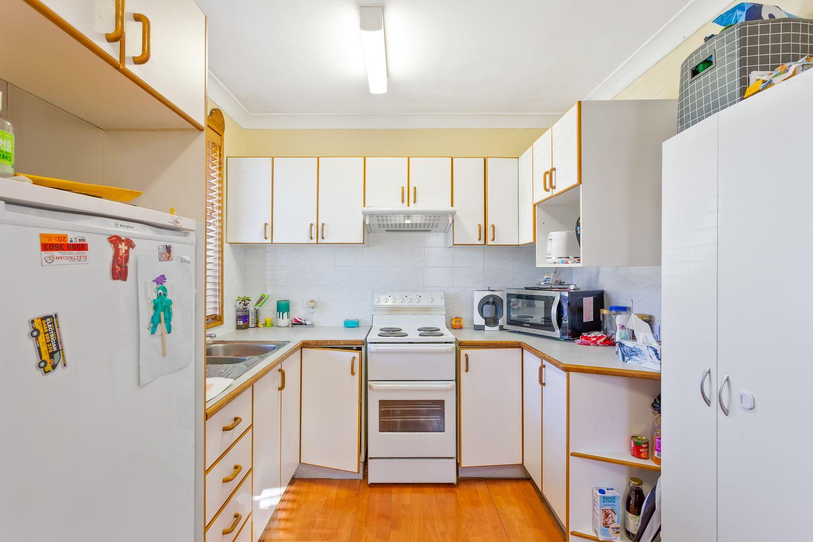 18 Derna Road, Holsworthy NSW 2173, Image 1