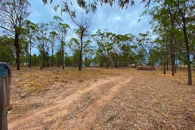 Picture of 9 Cemetery Road, PLAINLAND QLD 4341