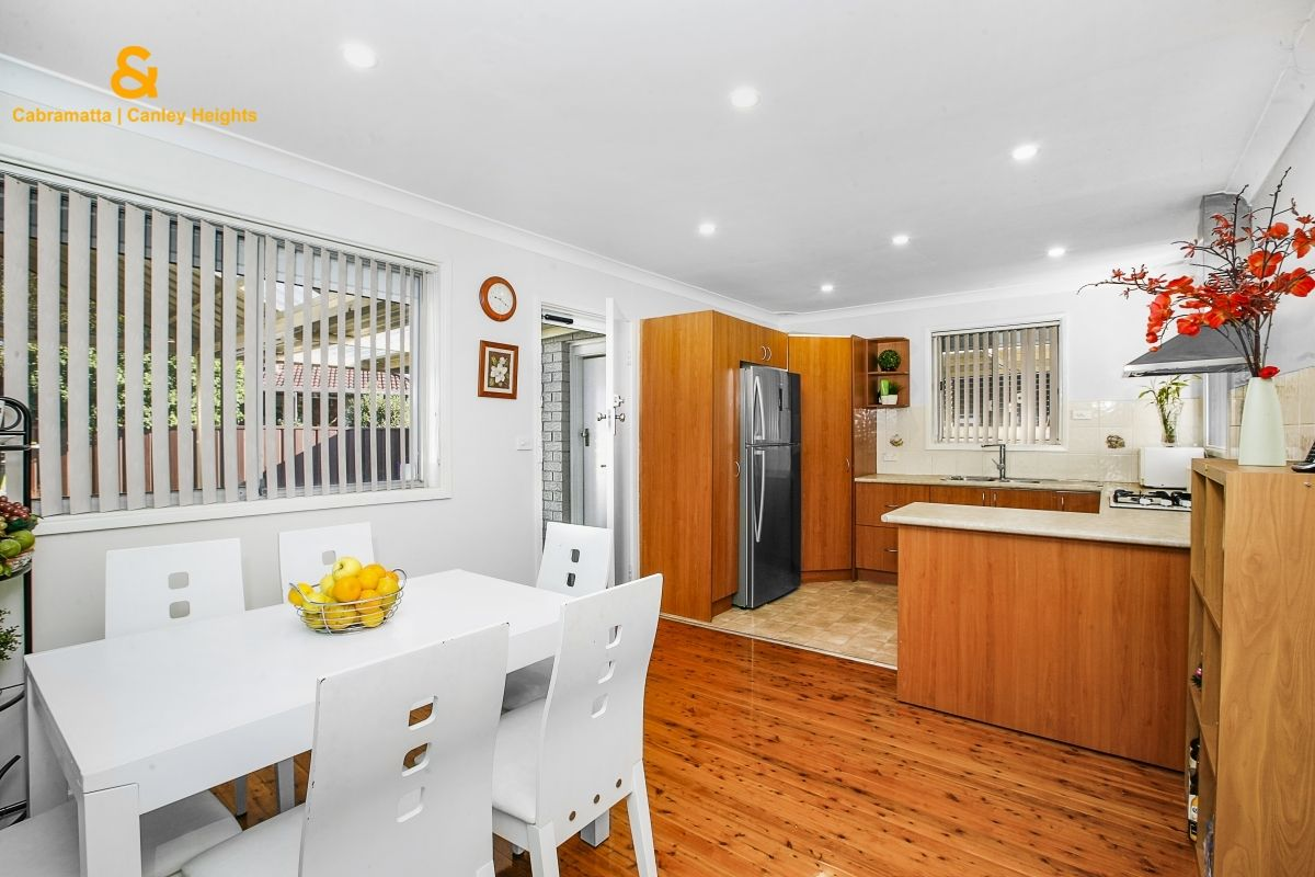6 FERNLEA PLACE, Canley Heights NSW 2166, Image 2