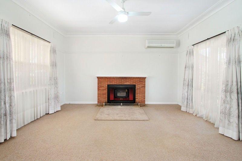 10 Cambridge Street, Tamworth NSW 2340, Image 2