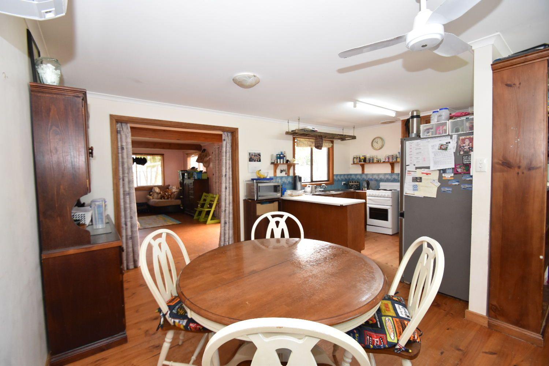 26 Flinders Avenue, Kingscote SA 5223, Image 2