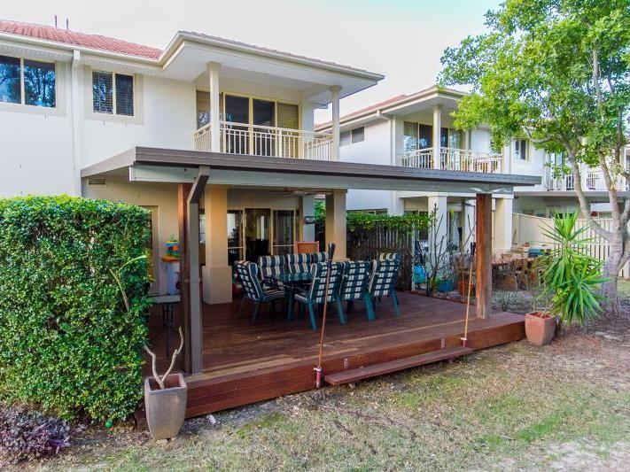 8129 Magnolia Drive, Hope Island QLD 4212, Image 0