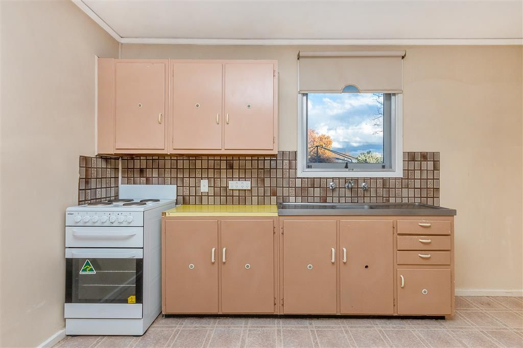10 Cadell Street, Downer ACT 2602, Image 2