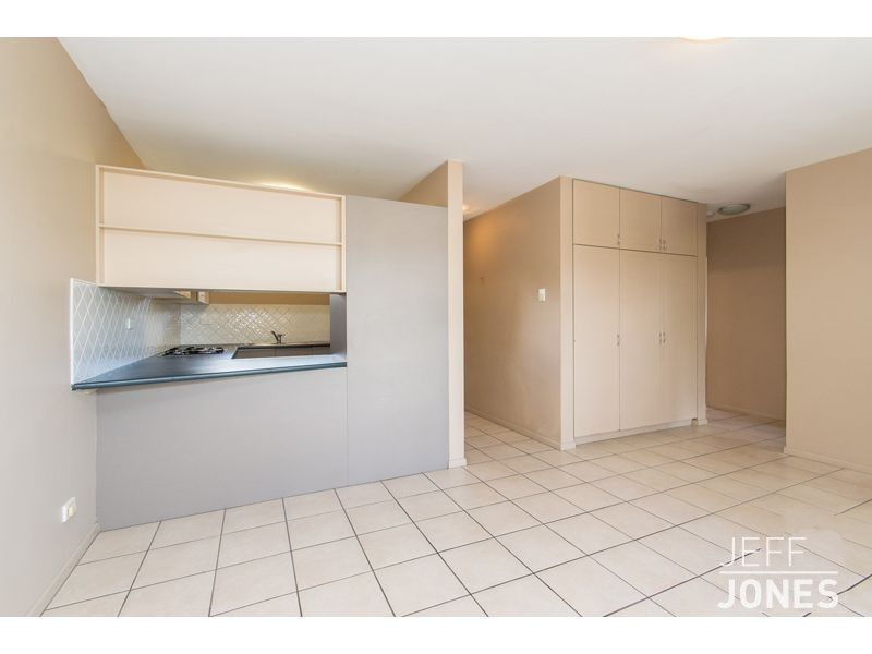 2/160 Juliette Street, Greenslopes QLD 4120, Image 1