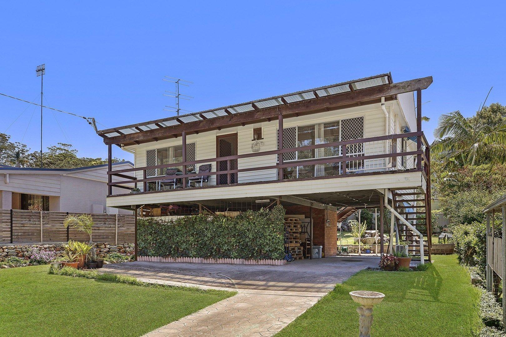 11 Pindarri Ave, Berkeley Vale NSW 2261, Image 0
