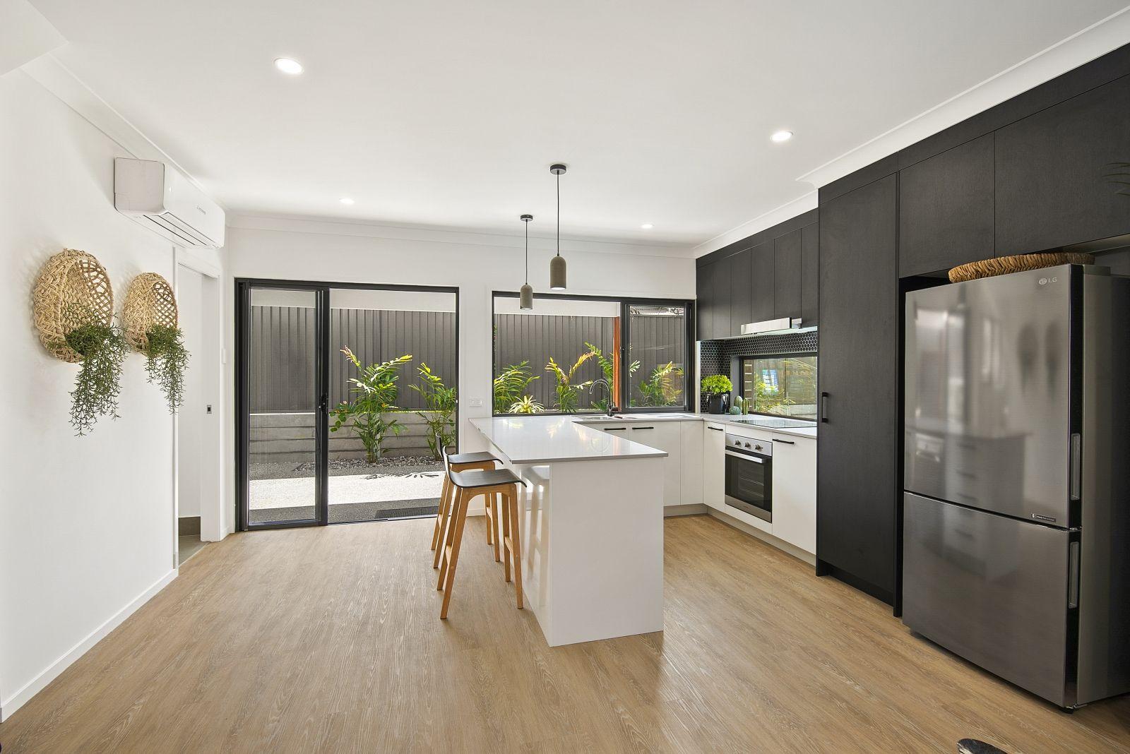 4/32-36 Hardiman Street, Woody Point QLD 4019, Image 0