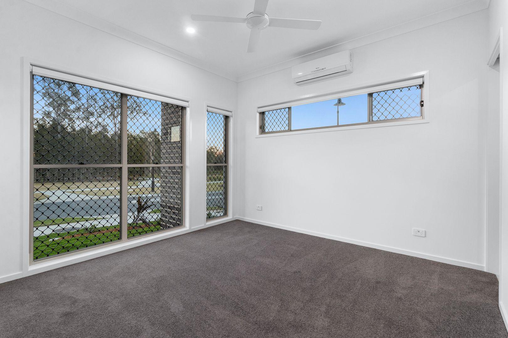 7 Talbot Street, Greenbank QLD 4124, Image 2