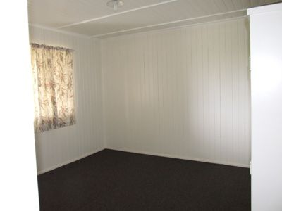 2/37 Hawthorn Street, Blackall QLD 4472, Image 2