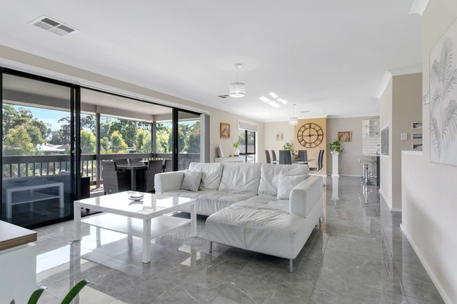 Picture of 4 Harewood Grove, MEADOWS SA 5201