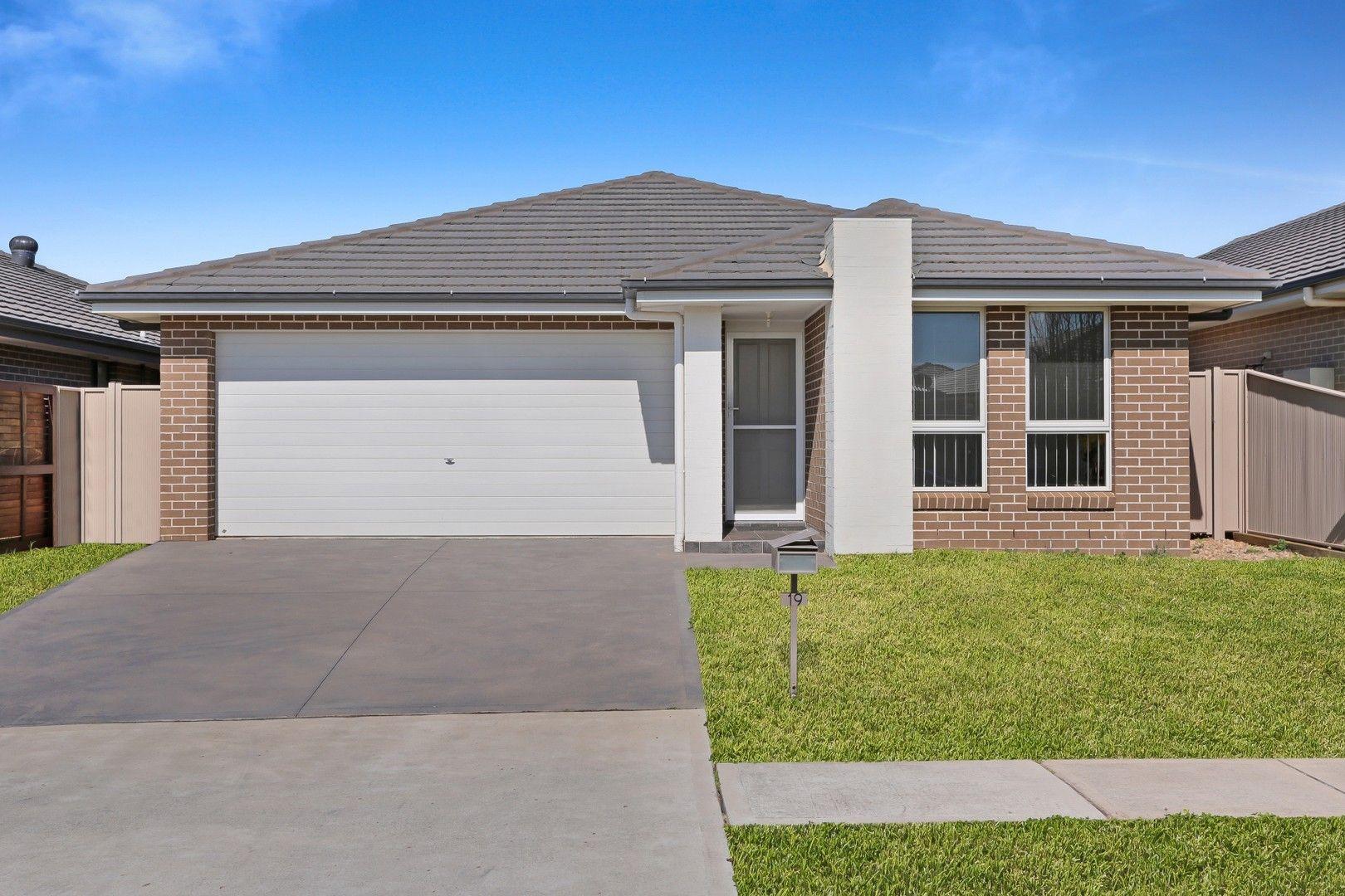 19 Harland Road, Spring Farm NSW 2570, Image 0