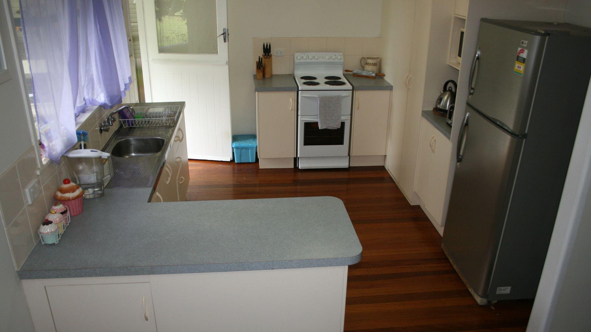 27 Calca Crescent, Ferny Hills QLD 4055, Image 2