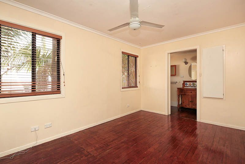 94 Dewar Terrace, Sherwood QLD 4075, Image 2