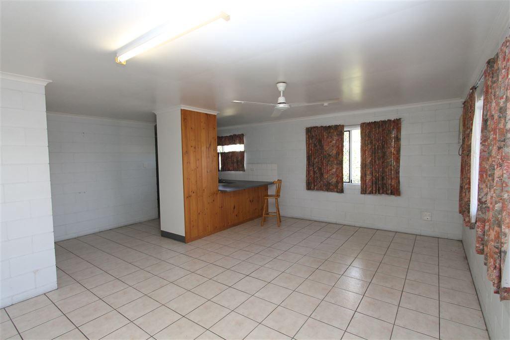 1/5 Macmillan Street, Ayr QLD 4807, Image 2