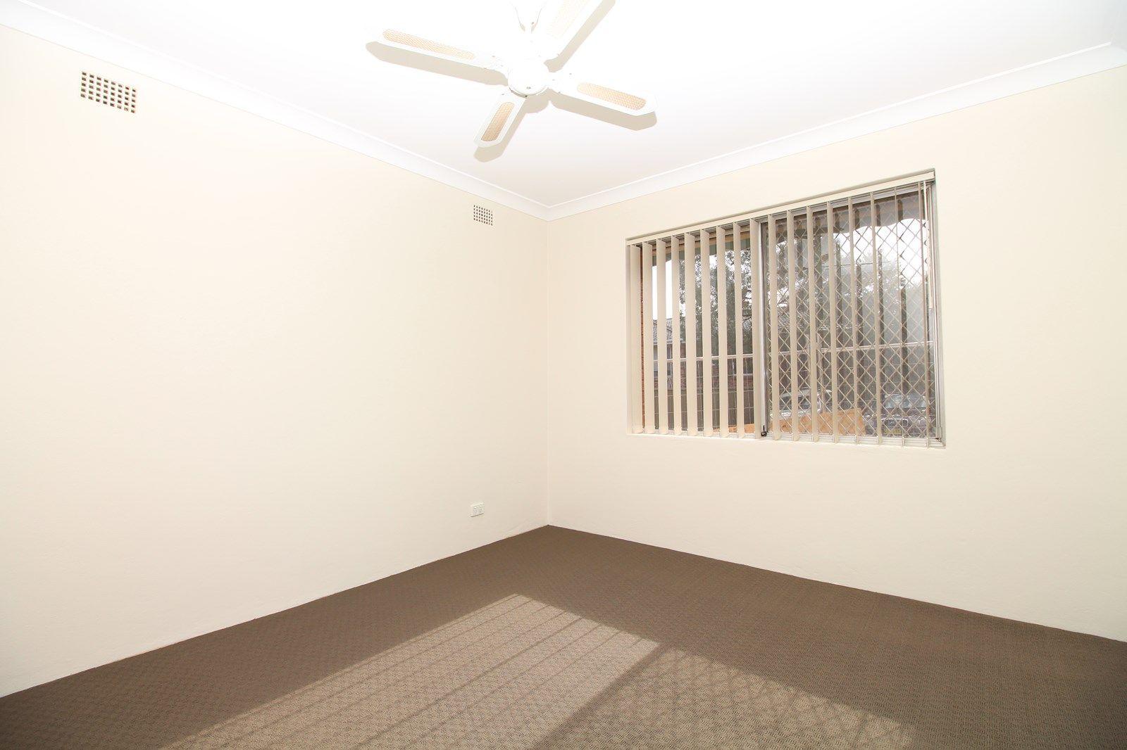 4/13 Brisbane Street, Harris Park NSW 2150, Image 2