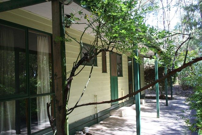 Picture of 77 Ryans  Road, WOODEND VIC 3442