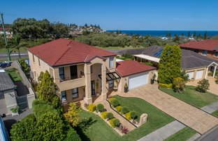 Picture of 38 Seascape Drive, Redhead NSW 2290