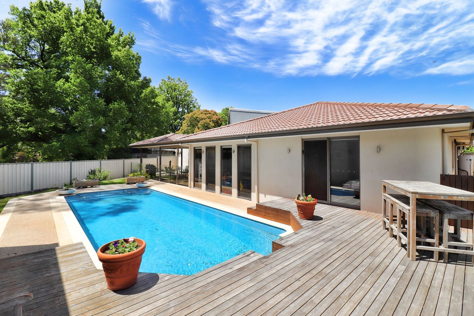 7 Butler Court, Bright VIC 3741, Image 2