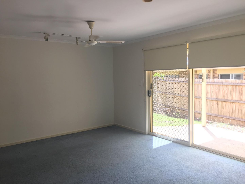 22 Poinciana Avenue, Mooloolaba QLD 4557, Image 2