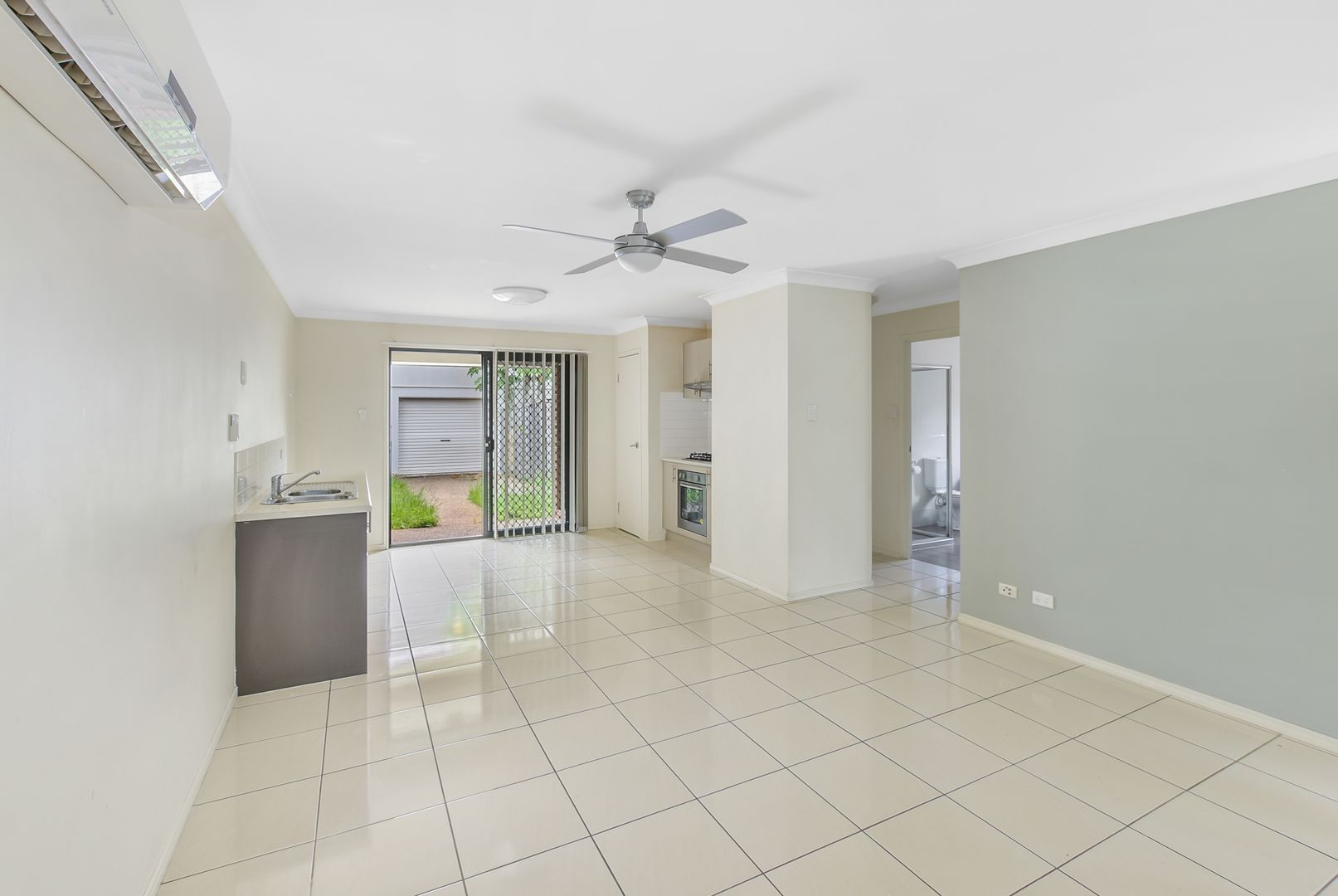 4/3 Kuranda Park Way, Fitzgibbon QLD 4018, Image 2