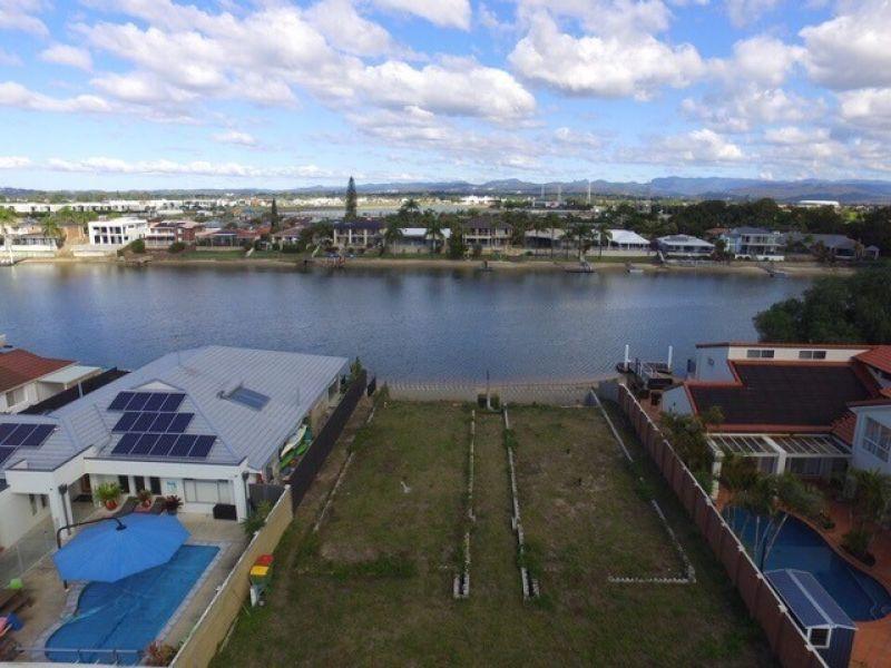 11 Yunga Court, Broadbeach Waters QLD 4218, Image 0
