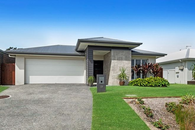 Picture of 19 Moss Crescent, CALOUNDRA WEST QLD 4551