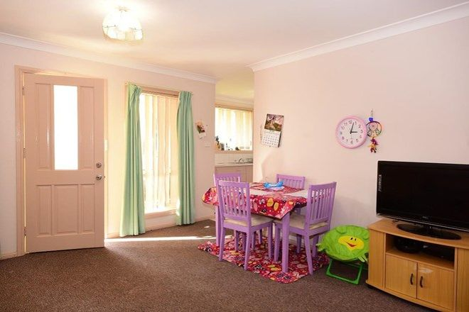 Picture of 1/253 Lone Pine Avenue, ORANGE NSW 2800