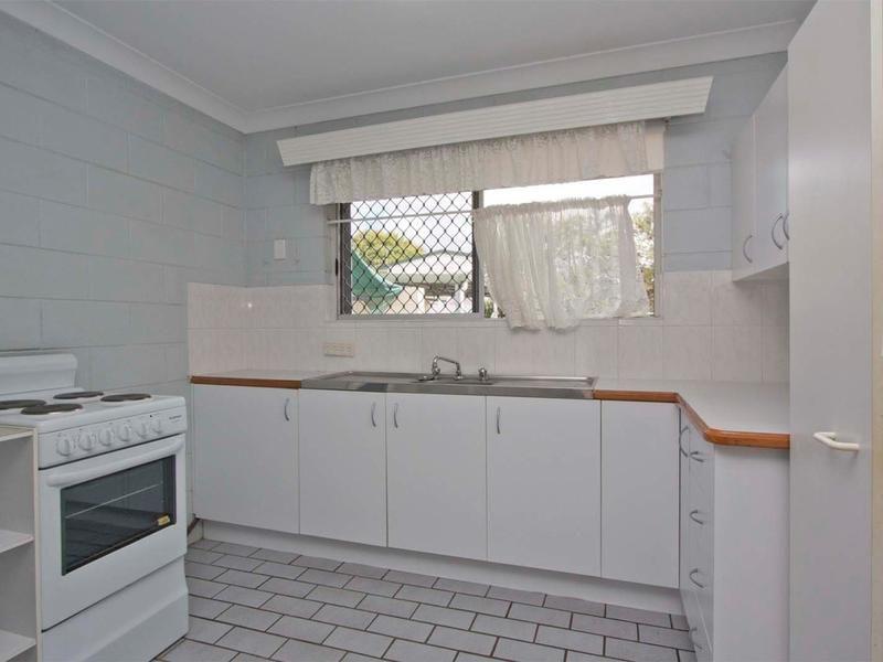 2/27 Fitzroy Street, Cranbrook QLD 4814, Image 2