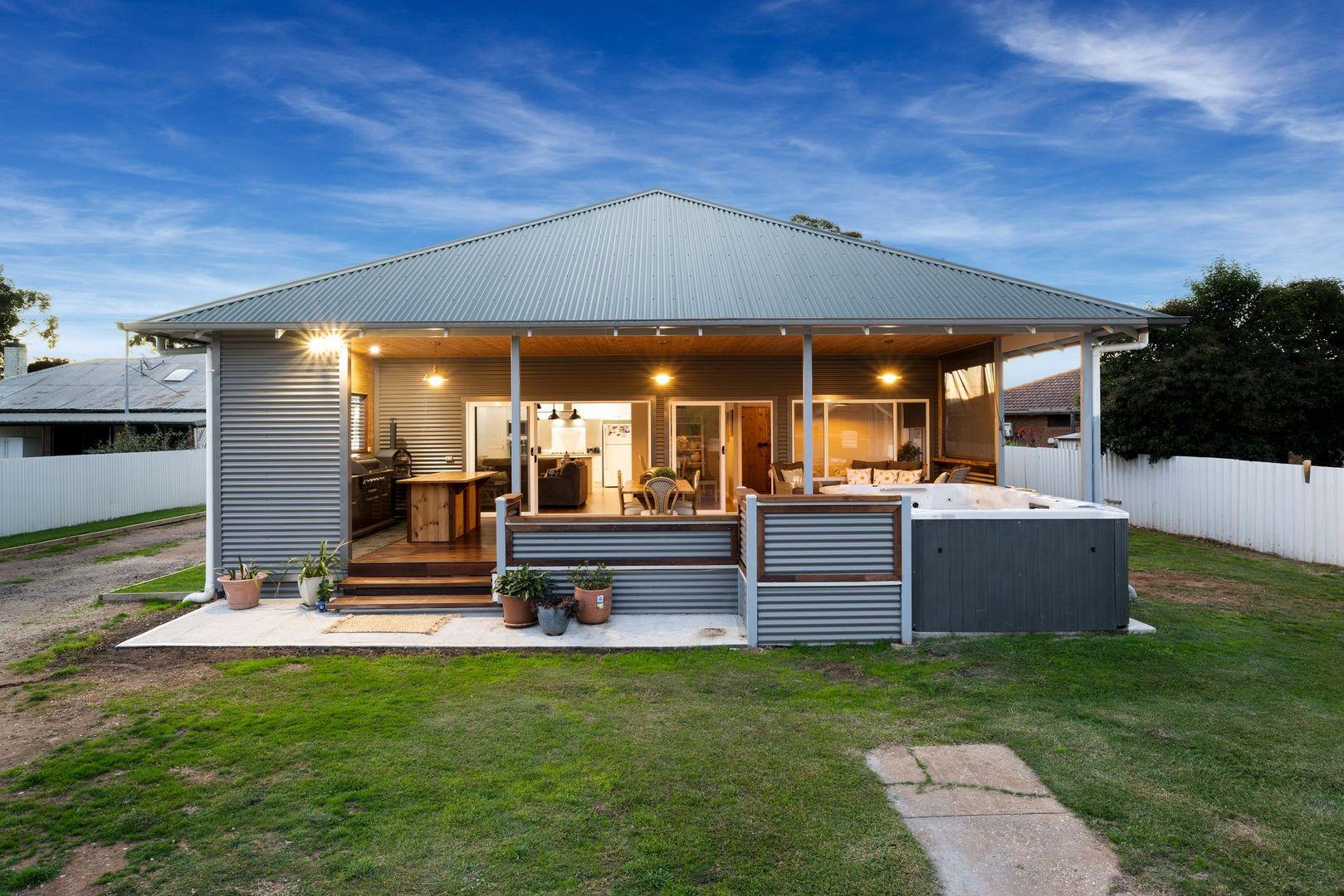 370 Honour Avenue, Corowa NSW 2646, Image 0