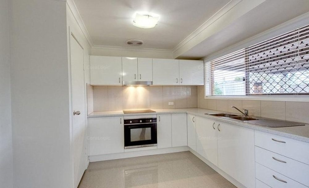 8 Battersby Street, One Mile QLD 4305, Image 1