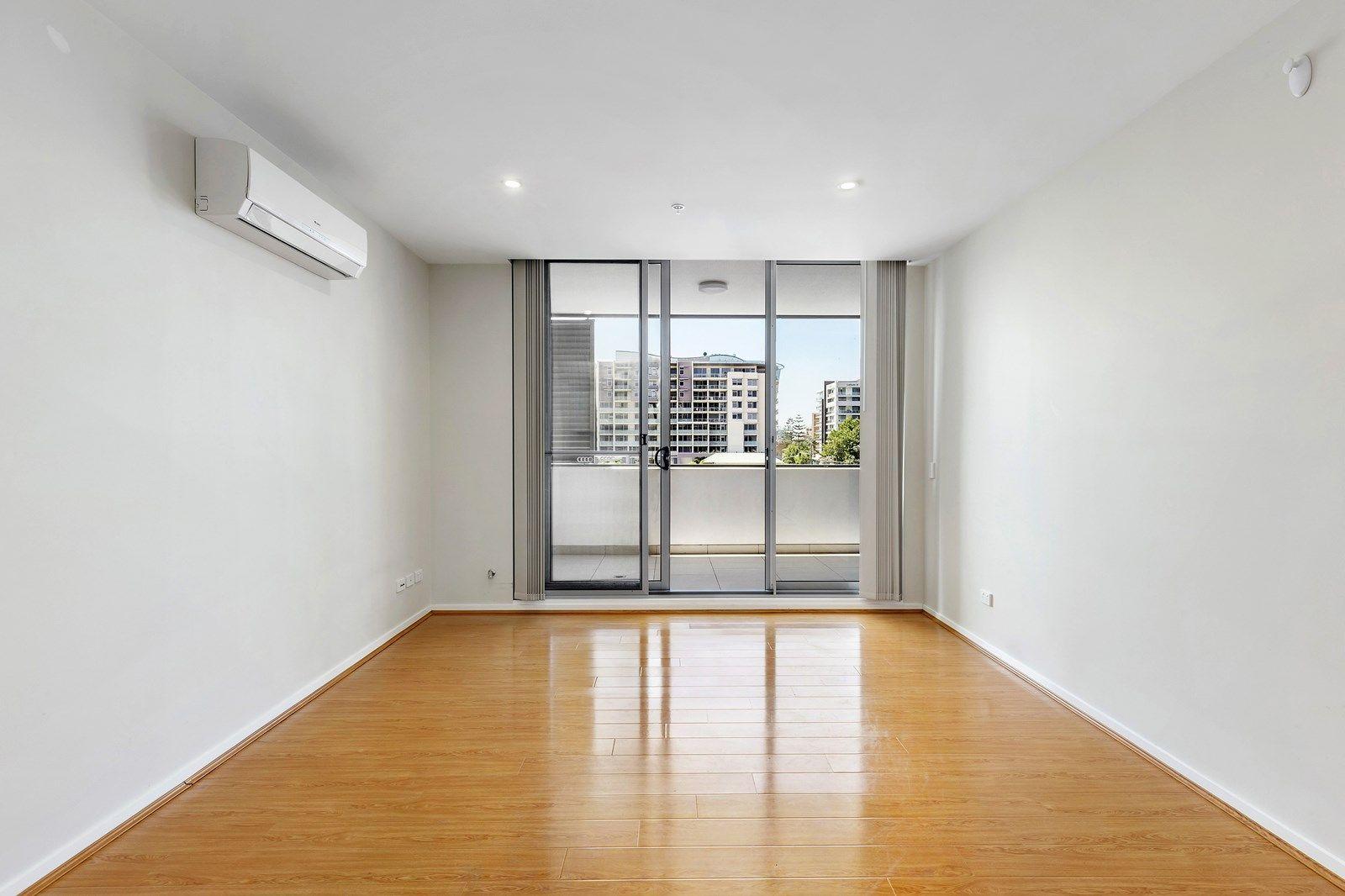 306/47-51 Crown Street, Wollongong NSW 2500, Image 2