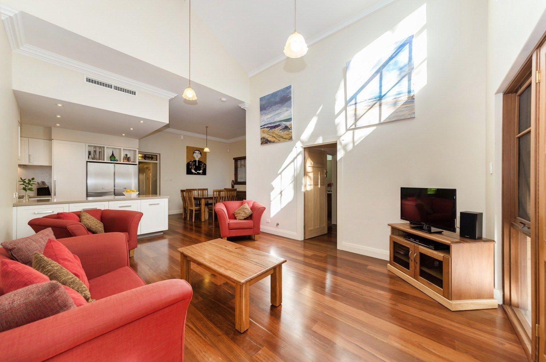 33 Arlington Avenue, South Perth WA 6151, Image 0