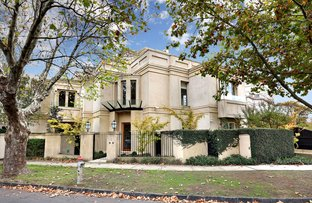 Picture of 2/1 Woorigoleen Road, Toorak VIC 3142