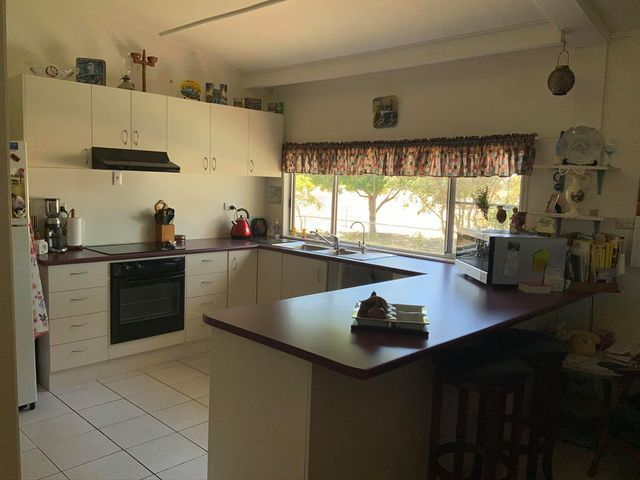60 Hann Highway, Hughenden QLD 4821, Image 2