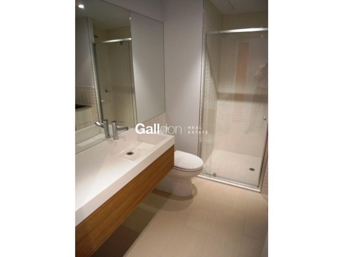 1110/555 Flinders Street, Melbourne VIC 3000, Image 2