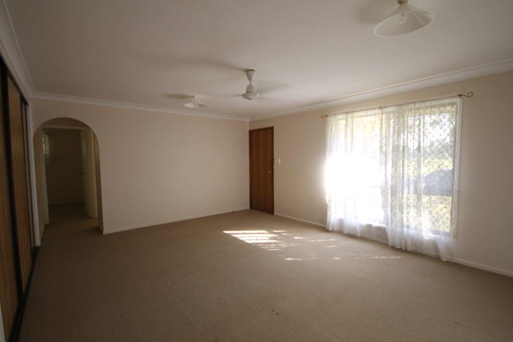 112 Rustic Street, Koongal QLD 4701, Image 2