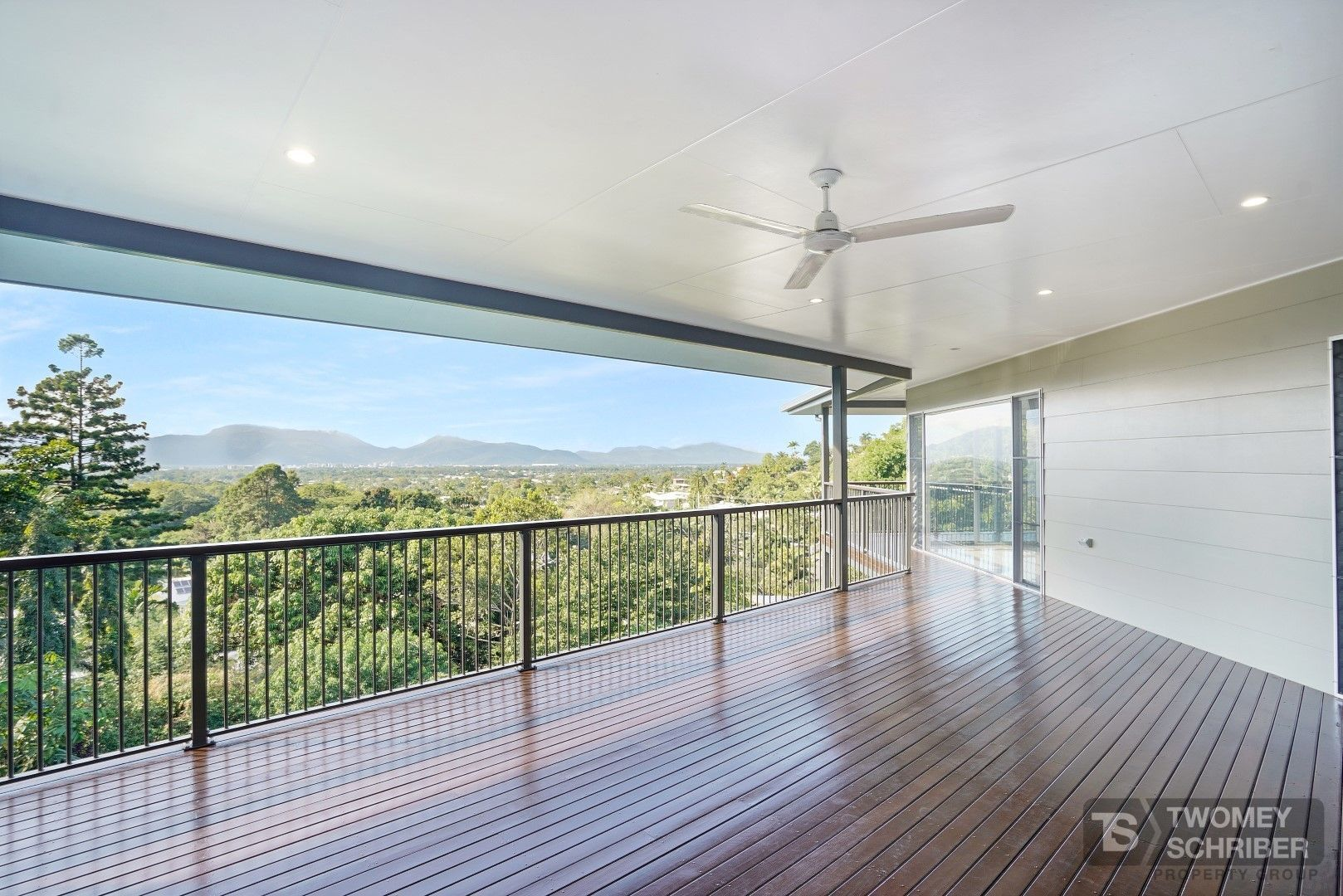 18 Bel Air Drive, Whitfield QLD 4870, Image 2