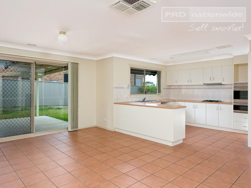 37 Horsley Street, Kooringal NSW 2650, Image 2