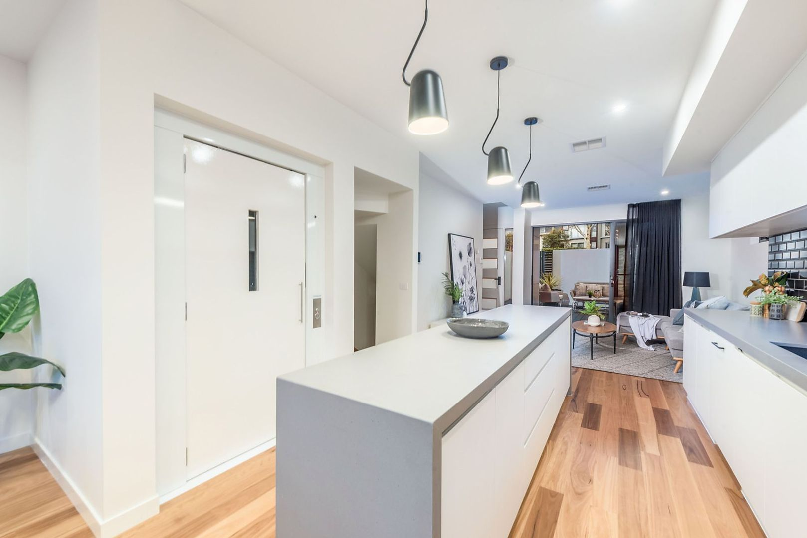 3/130 Blamey Crescent, Campbell ACT 2612, Image 2
