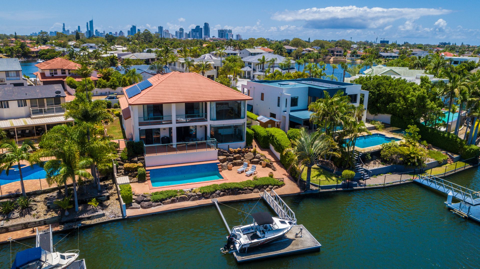 17 Montego Court, Mermaid Waters QLD 4218, Image 2