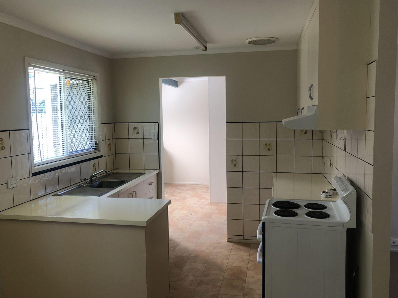 8/7 Holland Street, West Mackay QLD 4740, Image 2