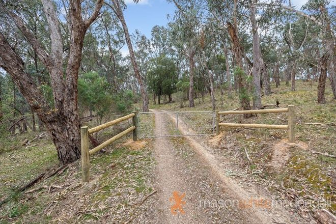 Picture of 155 Turnung Road, PANTON HILL VIC 3759