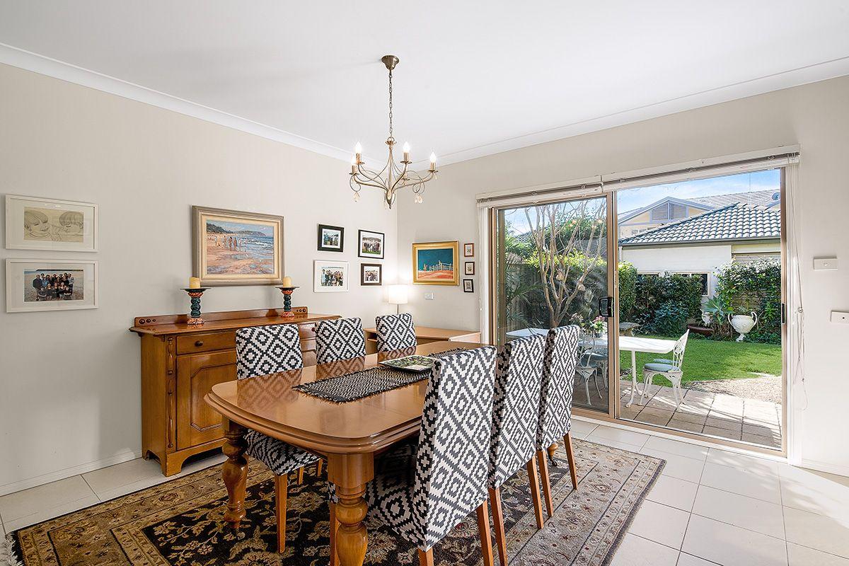 6 Honeyeater Grove, Warriewood NSW 2102, Image 2