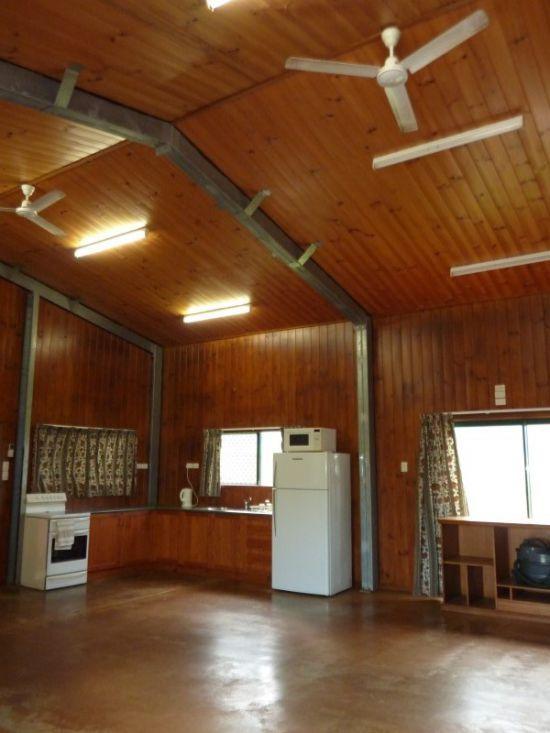 4 Menzies Road, Mirriwinni QLD 4871, Image 1