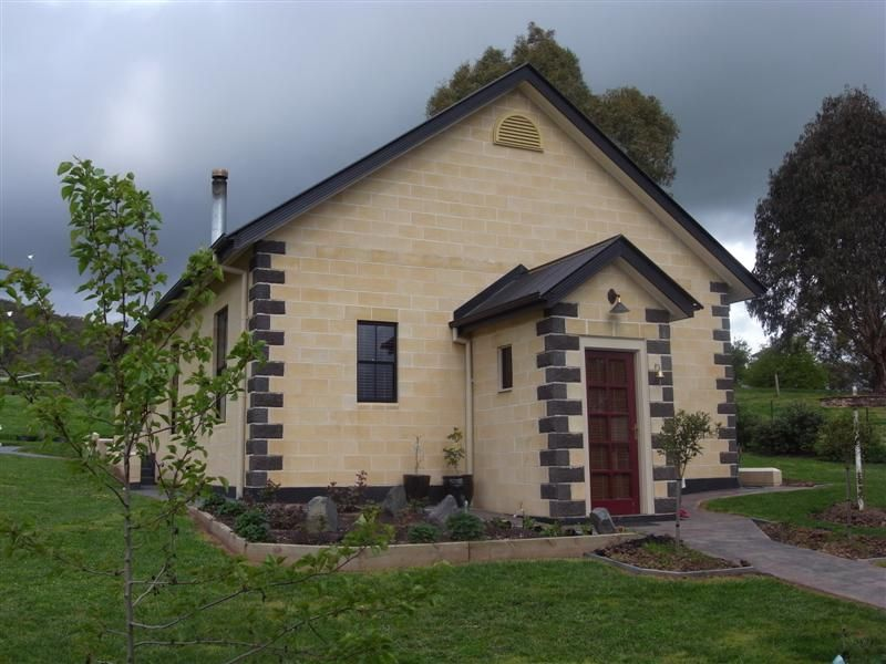 5 Emerson St, Tumbarumba NSW 2653, Image 0