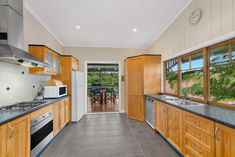 36 Greer Street, Bardon QLD 4065, Image 2